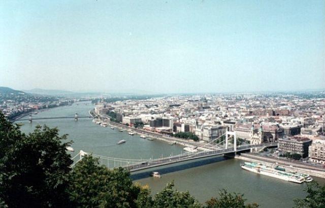 Zdjęcia: BUDAPESZT, Widok na Budapeszt z Wzgórza Gellerta, WĘGRY