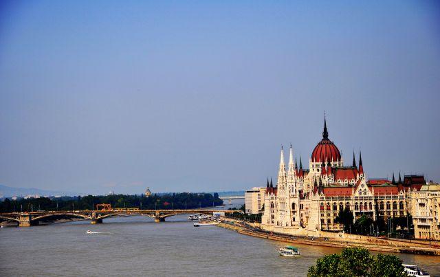 Zdjęcia: Budapeszt, Widok na Parlament, WĘGRY