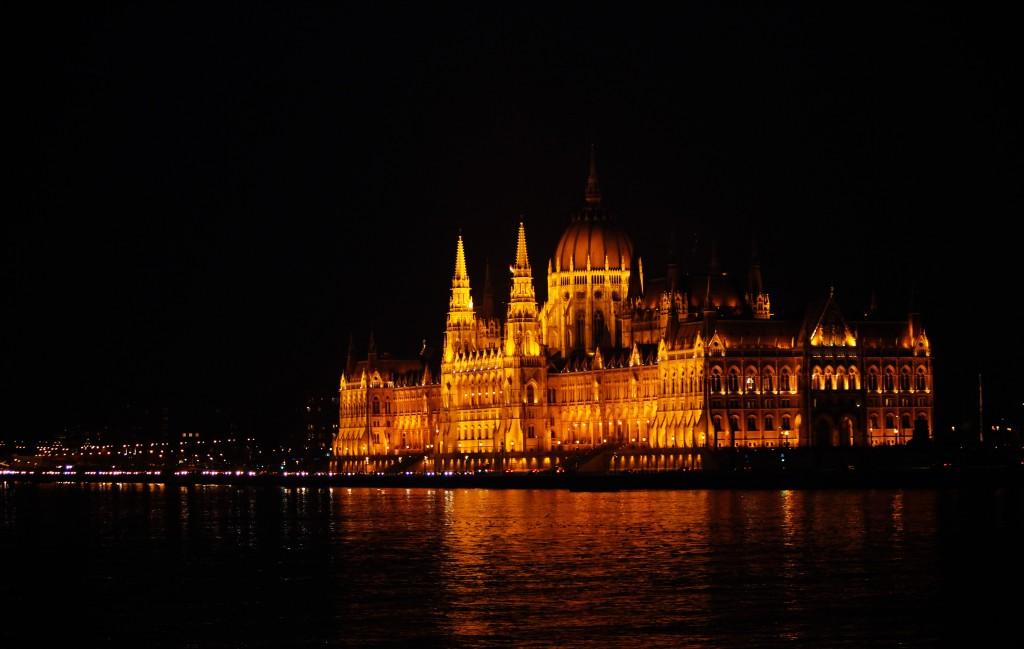Zdjęcia: Budynek parlamentu, Budapeszt nocą, WĘGRY