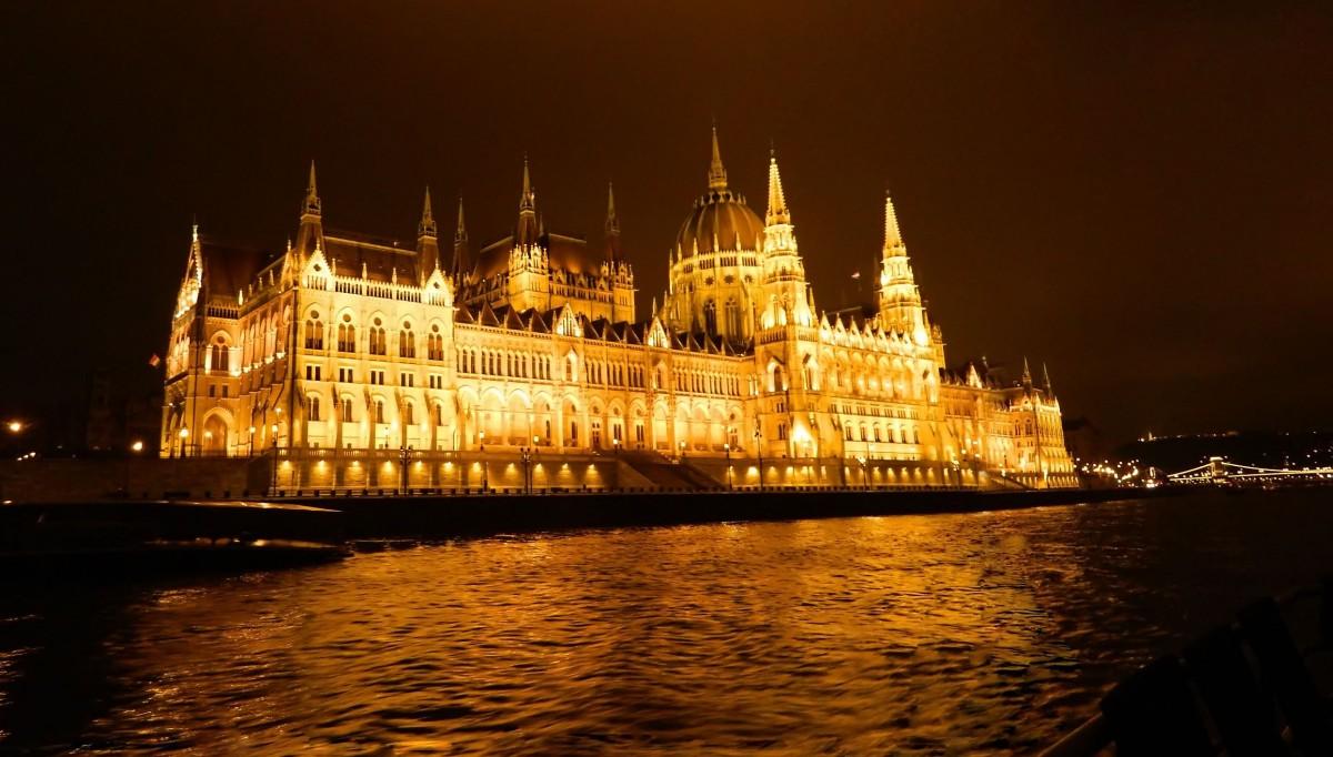 Zdjęcia: Rejs po Dunaju., Budapeszt., Panorama Budapeszt - Parlament., WĘGRY