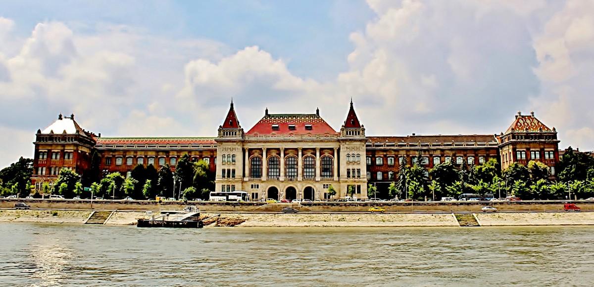 Zdjęcia: Budapeszt, komitat Budapeszt, Budynek Uniwersytetu Technologiczno-Ekonomicznego z 1909 roku, WĘGRY