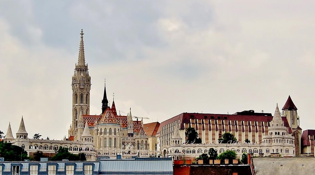 Zdjęcia: Budapeszt, komitat Budapeszt, Baszta Rybacka i kościół św.Macieja, WĘGRY