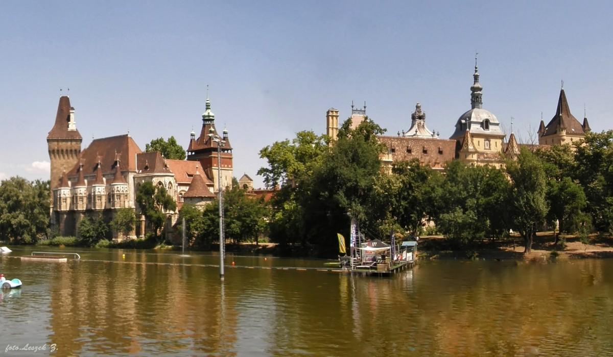 Zdjęcia: Budapeszt., Węgry., Budapeszt - Zamek Vajdahunyad., WĘGRY