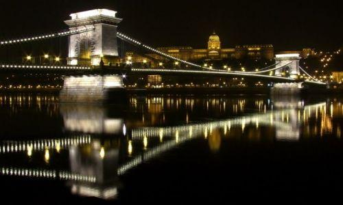 Zdjęcie WĘGRY / - / Budapeszt / Most Łańcuchowy im. Széchenyi'ego nad Dunajem, w tle Zamek Królewski