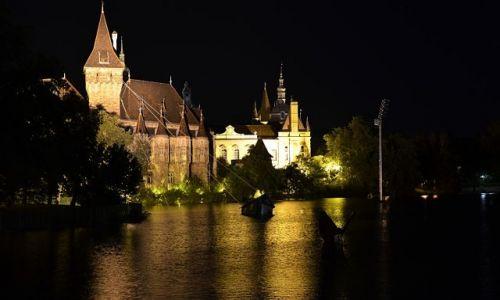 Zdjecie WĘGRY / - / Budapeszt / Miasto nocą