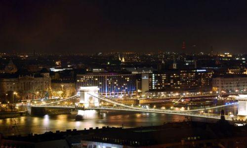 WĘGRY / - / Budapeszt / Nocne impresje- Most Łańcuchowy