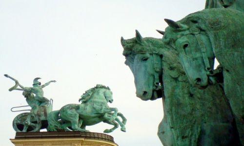 Zdjęcie WĘGRY / Budapest / Budapeszt / Konie Bohaterów
