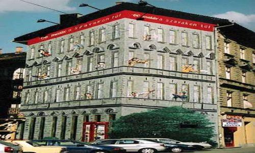 Zdjecie WĘGRY / brak / Budapeszt / Oryginalna elewacja budynku szkoły językowej