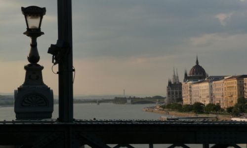 Zdjecie WĘGRY / Budapeszt / Budapeszt / Widok z Mostu Łańcuchowego