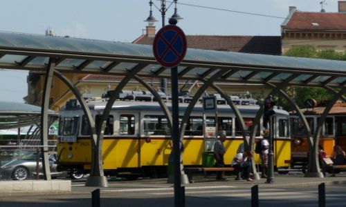 Zdjecie WĘGRY / Budapeszt / Budapeszt / Żólty klimatyczny tram jak widać nie tylko w Lizbonie:)