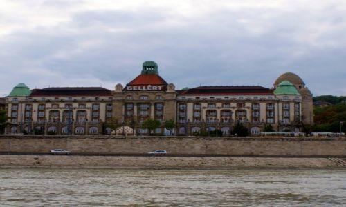Zdjęcie WĘGRY / - / Budapeszt / Hotel Gellert...od strony Dunaju