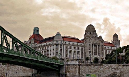 Zdjecie WĘGRY / - / Budapeszt / Hotel Gellert i fragment Mostu Wolności.