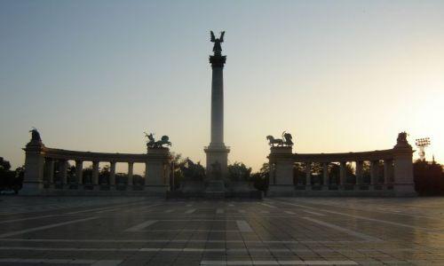 Zdjecie WĘGRY / brak / Budapeszt / Plac wolności- 5.00 rano