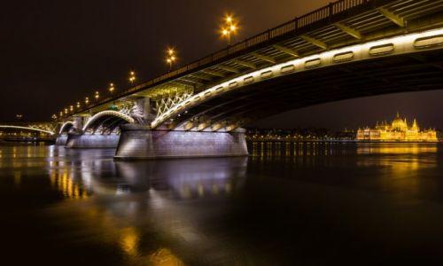 W�GRY / Pest / Budapeszt /  Margaret Bridge