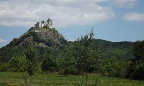 WĘGRY / Góry Tokajsko-Slańskie / Füzér / Zamek Füzér w węgierskiej części Zemplinu