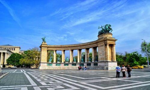 Zdjecie W�GRY / Budapeszt / VI dzielnica / H�s�k tere