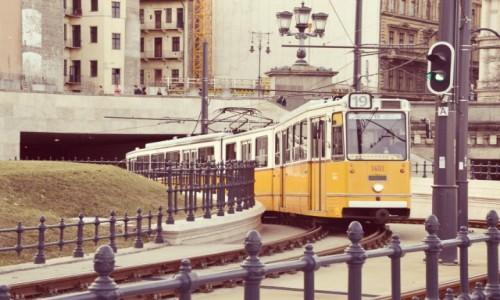 Zdjecie WĘGRY / - / Budapeszt / Nadjeżdzam...