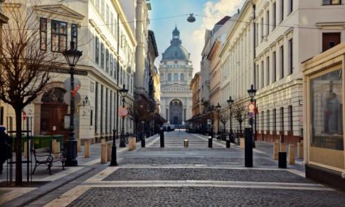 Zdjecie WĘGRY / - / Budapeszt / Poranny spacer uliczkami Budapesztu