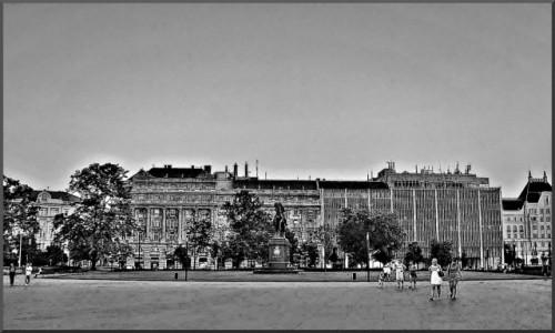 Zdjecie WĘGRY / Lipotvaros / Budapeszt / Plac Kossutha
