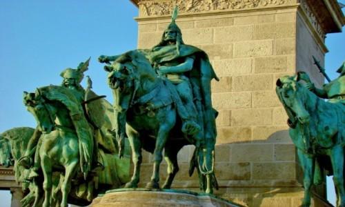Zdjecie WĘGRY / City Park / Budapeszt / Budapeszt- plac Bohaterów.Pomnik Arpada