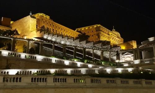 Zdjecie WĘGRY / - / Budapeszt / Nocny spacer po Budzie