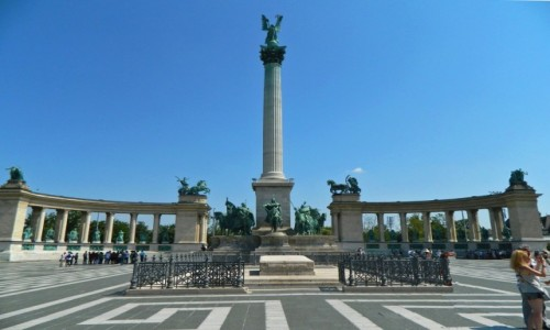 Zdjecie WĘGRY / Budapeszt. / Plac Bohaterów. / Budapeszt - Pomnik Milenijny na Placu Bohaterów.