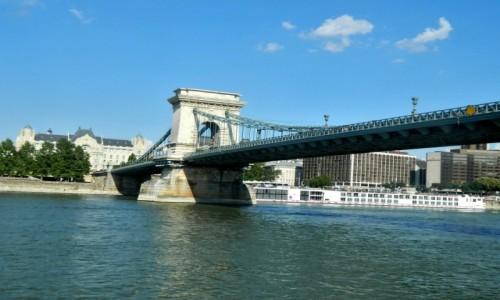Zdjecie WĘGRY / Budapeszt. / Rejs po Dunaju. / Budapeszt - Most Łańcuchowy i secesyjny pałac Gresham z 1907 r.