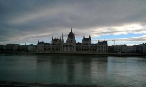 Zdjecie WĘGRY / Budapeszt / Buda / Widok na Parlament