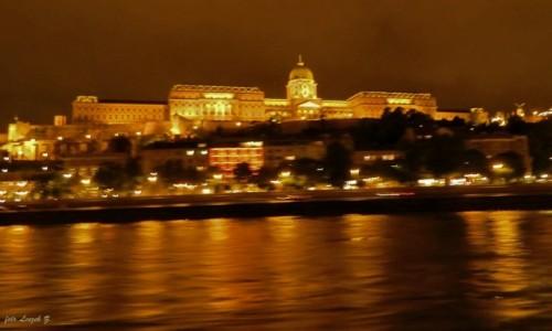 WĘGRY / Budapeszt. / Rejs po Dunaju. / Budapeszt - Pałac Budański (Zamek Królewski).