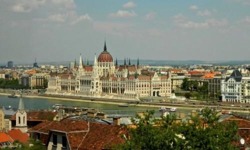 WĘGRY / Góra Gellerta. / Budapeszt / Budapeszt - Parlament.