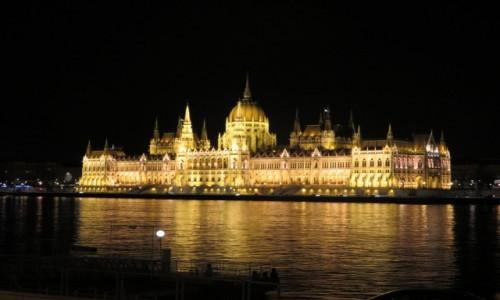 Zdjecie WĘGRY / Europa / Budapeszt / Parlament noca nad Dunajem
