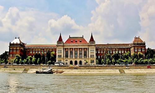 Zdjecie WĘGRY / komitat Budapeszt / Budapeszt / Budynek Uniwersytetu Technologiczno-Ekonomicznego z 1909 roku
