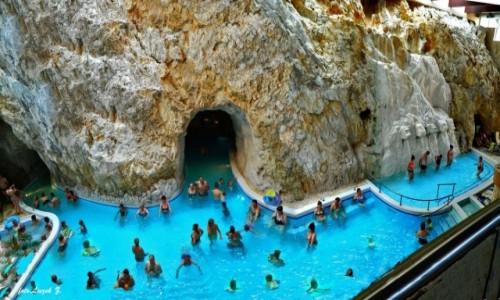 Zdjecie WĘGRY / Węgry. / Miszkolc. / Miszkolc - baseny termalne w jaskiniach.