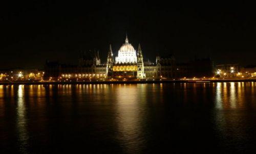 Zdjecie WĘGRY / Węgry-stolica / Parlament w Budapeszcie / Budapesztański Parlament nocą