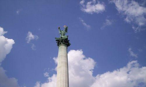 Zdjecie WĘGRY / brak / Budapeszt / Archanioł Gabriel/Pomnik Tysiąclecia/Plac Bohaterów
