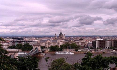 WĘGRY / - / Budapeszt  / pamorama z latedrą św Stefana