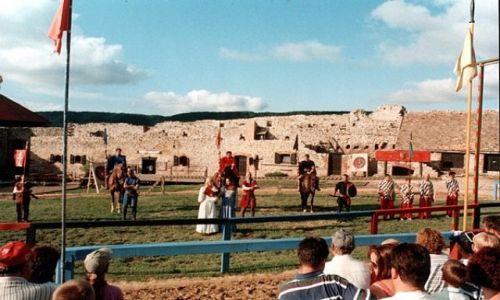 Zdjęcie WĘGRY / 14 km na północ od Tapolcy. / SUMEG / Turniej rycerski na zamku w Sumeg