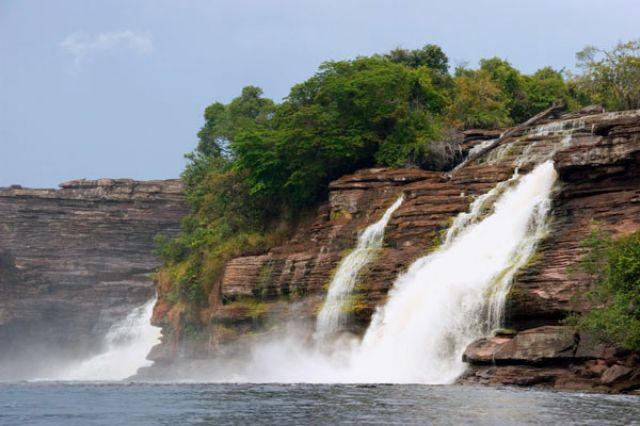 Zdjęcia: Wodospad  SALTO SAPO, FOTO 1, WENEZUELA