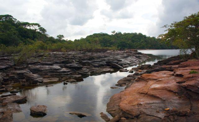 Zdjęcia: Na szczycie wodospadu SALTO SAPO, FOTO bis, WENEZUELA