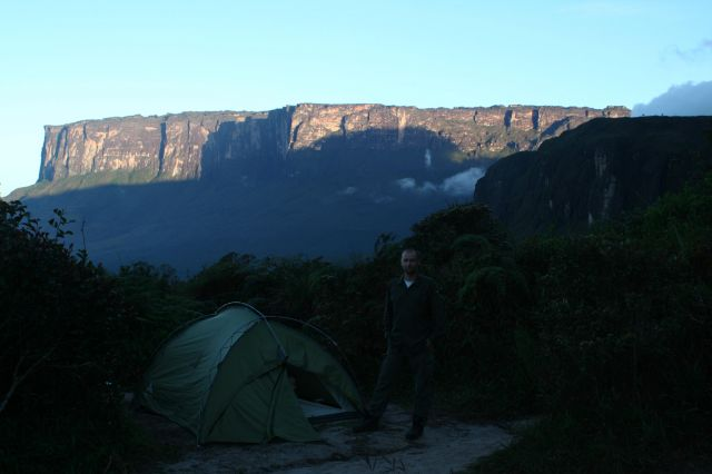 Zdjęcia: Tepui Kukenan o świcie, Gran Sabana, Wenezuela, WENEZUELA