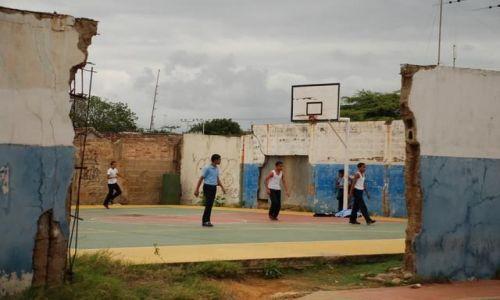 Zdjecie WENEZUELA / wenezuela północ / Coro / koszykówka po Wenezuelsku