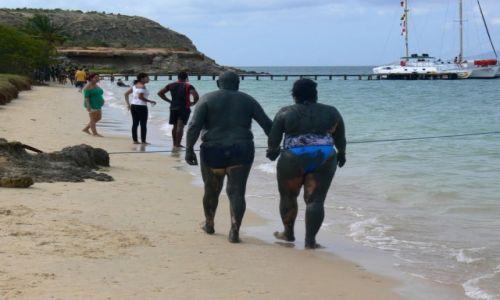 Zdjęcie WENEZUELA / Morze Karaibskie / Wyspa Cubaqua / Obsmarowani