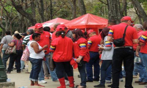 Zdjęcie WENEZUELA / Caracas / Na ulicach miasta / Na pogrzebie H. Chaveza