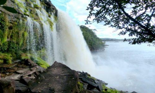 Zdjęcie WENEZUELA / Przy granicy z Brazylią / Park Canaima / Wodospad El Sapo