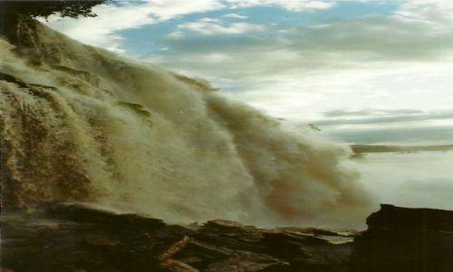 Zdjecie WENEZUELA / P�d. Wenezuela / Park Narodowy Canaima / Wodospad Sapo