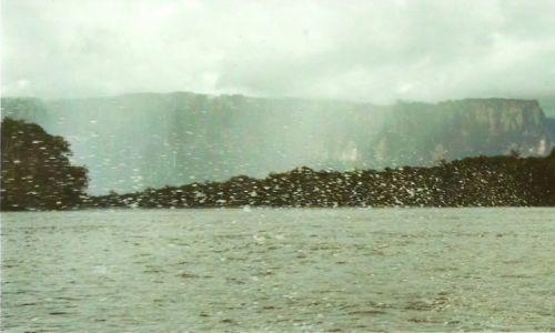 Zdjecie WENEZUELA / Płd. Wenezuela / Park Narodowy Canaima / Woda