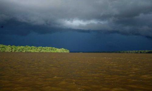 Zdjecie WENEZUELA / amazonas / rzeka orinoko / cisza przed burza