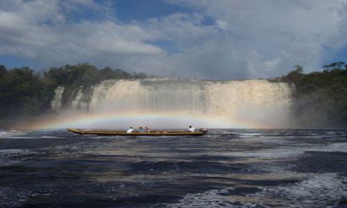 Zdjecie WENEZUELA / Park Narodowy Canaima / Canaima / w t�czy