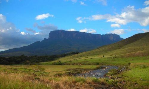 Zdjecie WENEZUELA / Grand Sabana / rzeka Rio Trek / Kukenaam