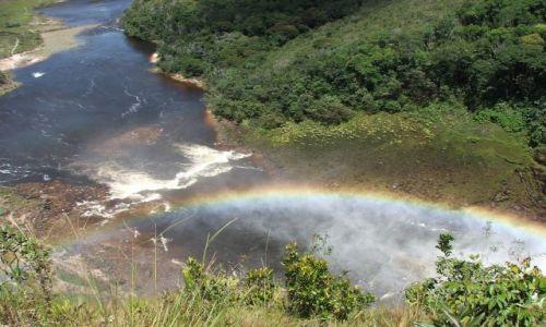 WENEZUELA / - / Wodospady Canaimy / Tęcza na Ziemi